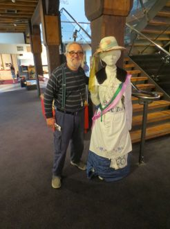 Tim & suffragist (no signage)